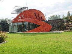 I takto mohou vypadat moderní vily. Netradiční stavba s názvem Krab pochází z rýsovacího prkna architekta Romana Kuby z ateliéru Simona. Vila stojí v Ostravě-Porubě.