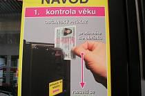 Alkohol lze koupit i v automatech, nad deset litrů je ale nutná účtenka.
