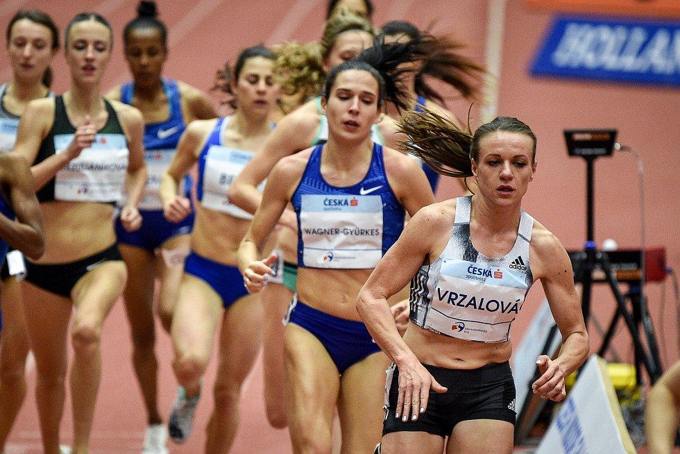 Mezinárodní halový atletický mítink Czech Indoor Gala 2020, 5. února 2020 v Ostravě. Běh 1500m ženy (pravo) Simona Vrzalová z Česka.