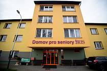 V domově pro seniory Iris v Ostravě se objevil koronavirus (COVID-19) u tamní zaměstnankyně, 31. března 2020.