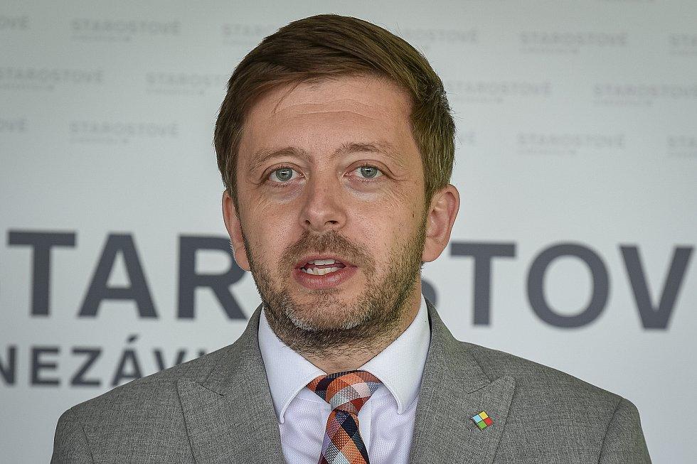 Do podzimních krajských voleb vstoupí nová koalice STAN, Zelení a Nezávislí. Na snímku Vít Rakušan (STAN).