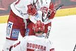 Čtvrtfinále play off hokejové extraligy - 1. zápas: HC Oceláři Třinec - HC Vítkovice Ridera, 20. března 2019 v Třinci. Na snímku (zleva) Martin Růžička, Erik Hrňa a David Doudera.