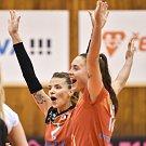 Volejbal, ženy - Ostrava – Frýdek-Místek, 17. října 2018 v Ostravě. Na snímku (zleva) Simona Lukáčová a Klára Faltínová.