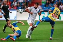 I. liga, 4. kolo, FC Baník - FK Teplice: 3 : 3, na snímku uprostřed Milan Baroš, vpravo Aleksandar Šušnjar