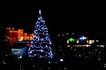 Vánoční strom v Hlučíně.