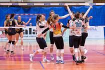 Ostravské volejbalistky po pondělní domácí výhře 3:2 dokázaly porazit Šelmy ve čtvrtek v Brně 3:1 a ve čtvrtfinále vedou 2:1 na zápasy. Od postupu je dělí jedno vítězství.