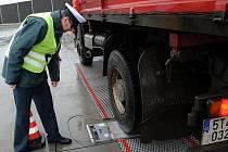 Na kamiony si během čtvrtka posvítili moravskoslezští policisté z dálničního oddělení.