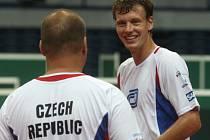 Tenisté už mají za sebou první trénink v ostravské hale