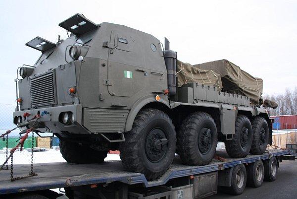 Vedle tanků přepravil obří AN-225Mrija do Nigérie také raketomety.