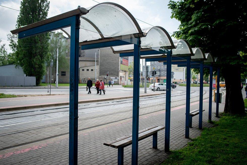 Vandaly oblíbená zastávka v Přívoze.