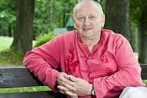 Andrew Alois Urbiš, terapeut, psycholog a filozof, který strávil bez světla padesát dní.