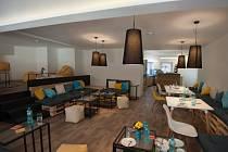 V kampusu byly v průběhu března otevřeny dvě nové menzy La Cantine a Black Kale bar.