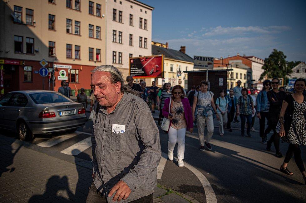 Ivan Motýl - Vycházka - Ostravský Bronx.