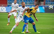 I. liga, 4. kolo, FC Baník - FK Teplice: 3 : 3, na snímku vlevo Martin Šindelář