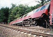 Poslední vlak, který během záplav projel Svinovem, byl expres Sobieski. Nedojel daleko, kvůli podemleté trati za Studénkou vykolejil.