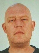 Podle policistů by pachatelem mohl být tento muž  - Jaroslav Hemerka z Olomoucka, po kterém vyhlásili pátrání.