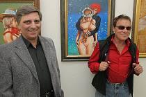 """Galerista Petr Pavliňák na snímku s Janem Saudkem (na snímku vpravo), který v """"Chagallu"""" také několikrát vystavoval."""