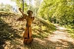 Dřevěné sochy slovanských bohů - Lada.