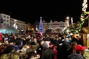 Rozsvícení vánočního stromu na Masarykově náměstí v centru Ostravy.