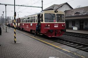 Slezský železniční spolek zahajuje výletní jízdy vlaků.