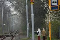 Na jednokolejné trati mezi Porubou a Kyjovice se objevují nová zabezpečovací zařízení.