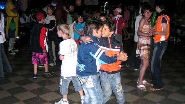 Diskotéka v krnovském klubu Kofola