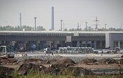 Stavba outletového centra v Ostravě-Přívoze je v plném proudu, snímek z 3. září 2018.