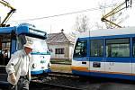 Křížení na trati u zastávky Vřesina, zprava jede tramvaj ze směru od Zátiší. Zde měl před deseti lety řidič počkat na soupravu v protisměru.