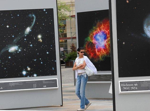 Výstava Tajemství vesmíru na Masarykově náměstí v Ostravě