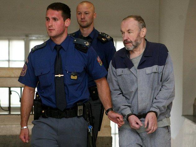 Jiřímu Hájkovi hrozí za brutální ubití kamaráda až výjimečný trest.