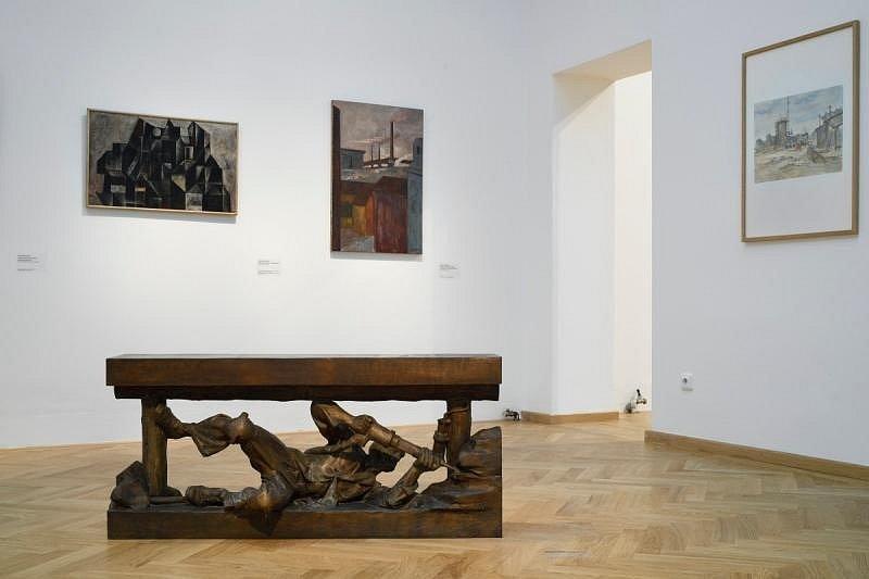 V ostravském domě umění je k vidění výstava Dělník je smrtelný, práce je živá.