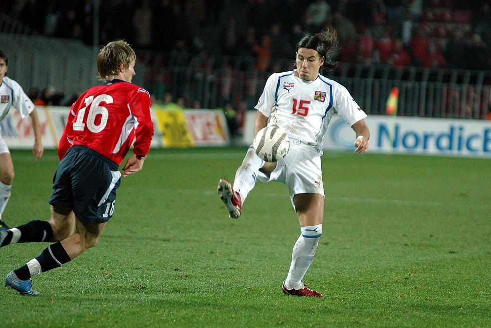 Milan Baroše během zápasu s Norskem. Baráž MS 2006.