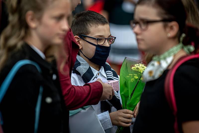 Poslední školní den a rozdání vysvědčení na základní škola Ostrčilova v Ostravě