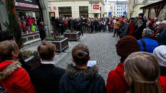 Odhalení obnoveného památníku ostravským obětem holocaustu a památky vypálené Hlavní synagogy v Ostravě.