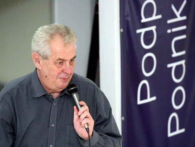 Předseda Strany práv občanů (SPO) a bývalý sociálnědemokratický premiér Miloš Zeman strávil několik dnů na Ostravsku.
