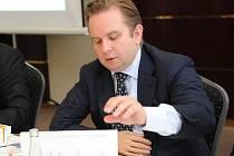 Pavel Tatyanin, jeden z nejvyšších šéfů ruské skupiny Evraz Group, přijel v pátek do Ostravy řešit problémy kolem dodávek surového železa.