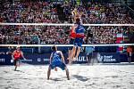 FIVB Světové série v plážovém volejbalu J&T Banka Ostrava Beach Open, 2. června 2019 v Ostravě. Semifinále muži, (1) Ondrej Perusic a (2) David Schweiner.