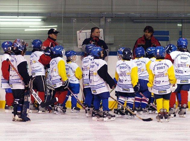 Hokejový kemp Ostrava 2007 začal