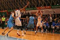 Basketbalisté NH Ostrava dokázali v sobotu přehrát favorizované Olomoucko 97:92. V Tatranu to sledovalo 850 diváků.
