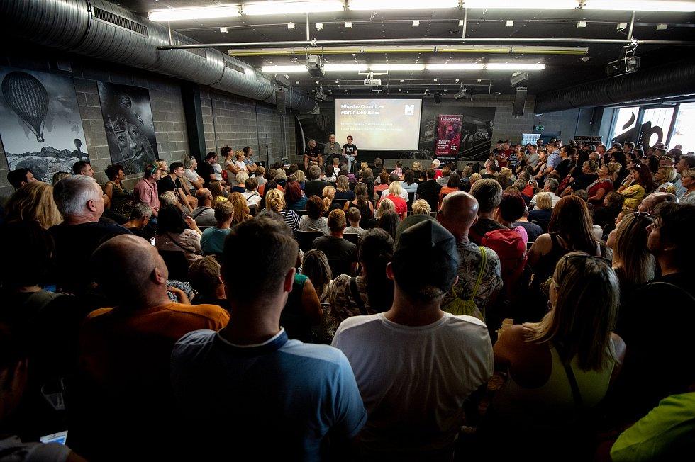 Hudební festival Colours of Ostrava 2019 v Dolní oblasti Vítkovice, 17. července 2019 v Ostravě. Na snímku Miroslav Donutil a Martin Donutil.