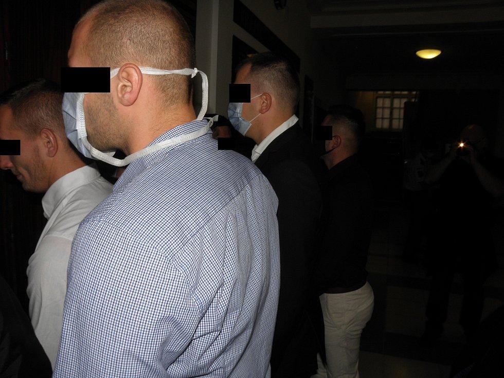 Až napodruhé se podařilo zahájit hlavní líčení s baníkovci obžalovanými z přepadení opavských fotbalových fanoušků.