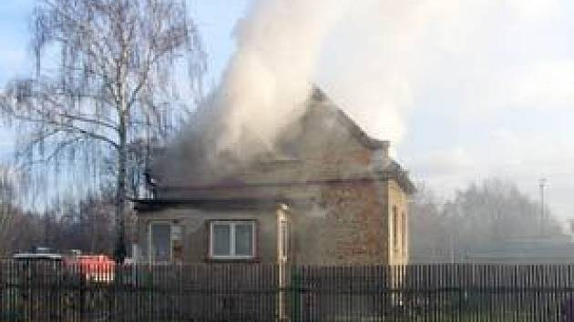 Hořelo podkroví rodinného domku ve Vratimově