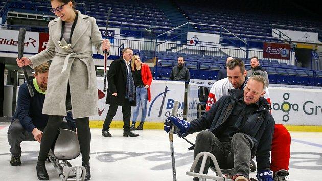 Hašek s Výtiskem si vyzkoušeli para hokej