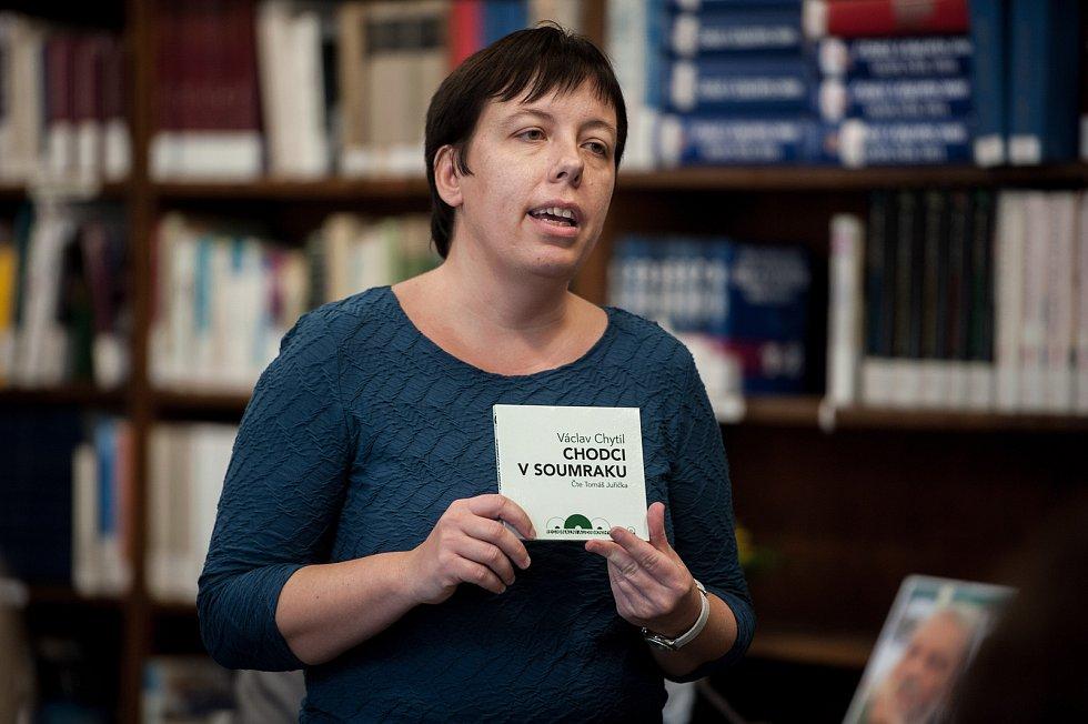 Křest audioknihy pro nevidomé a slabozraké, Chodci v soumraku autora Václava Chytila v Moravskoslezské vědecké knihovně.