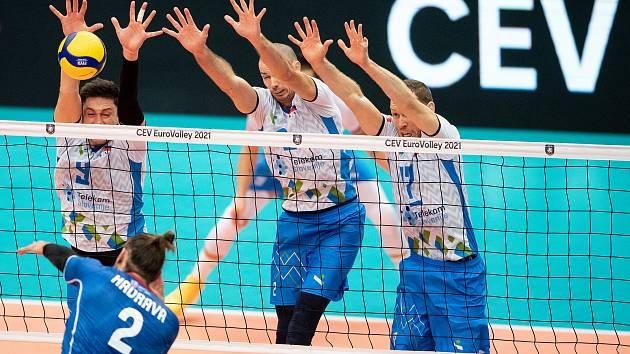 Češi se proti slovinským blokům neprosadili a jejich jízda mistrovstvím Evropy končí.