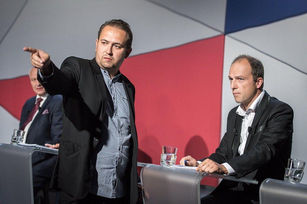 Debata kandidátů na primátora města Ostravy v České televizi, 13. září 2018 v Ostravě. Na snímku (vpravo) Jiří Srba (ČSSD).