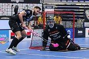 Superfinále play off Tipsport superligy - Technology florbal Mladá Boleslav - 1. SC TEMPISH Vítkovice, 14. dubna 2019 v Ostravě. Na snímku (zleva) Tokoš Martin, Souček Lukáš.