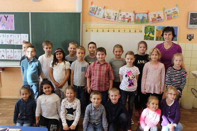 Žáci 1.A, Základní škola Generála Janka 1208, Ostrava-Mariánské Hory, střídní učitelkou Karolínou Bátrlovou