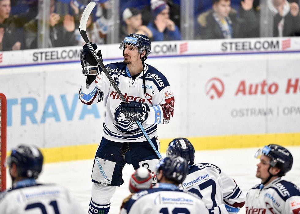 Utkání 51. kola hokejové extraligy: HC Vítkovice Ridera - HC Energie Karlovy Vary, 3. března 2020 v Ostravě. Tomáš Kubalík z Vítkovic.