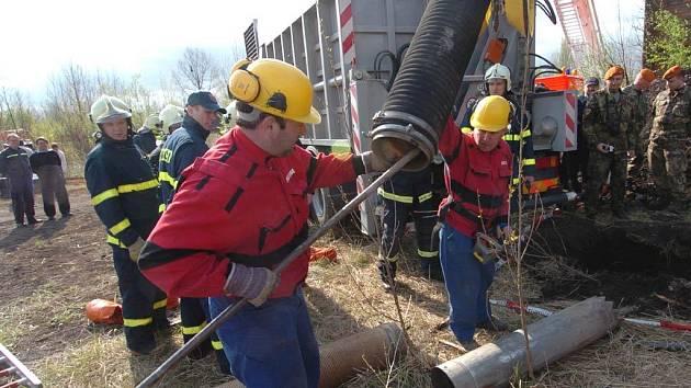 Cvičení záchranářů v Ostravě